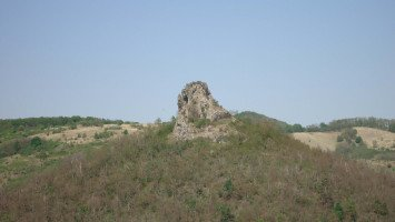Ajnácskő Castle Hill